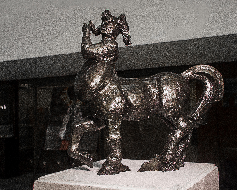 Título: Equus lascivo (Homenaje a H. R. Giger). Técnica: Bronce. Año: 2015